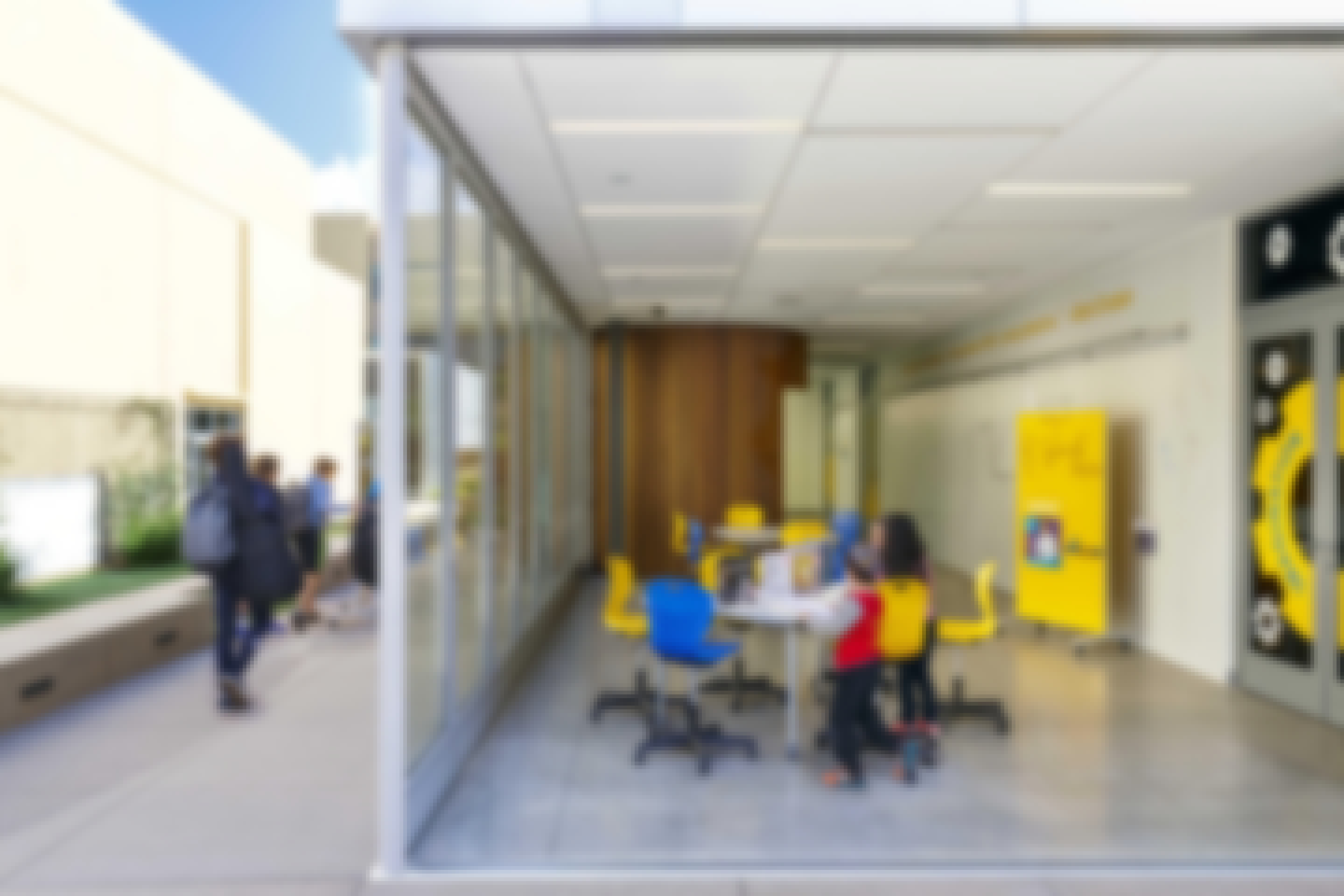 half-open-flexible-classroom-with-single-track-sliding-glass-wall