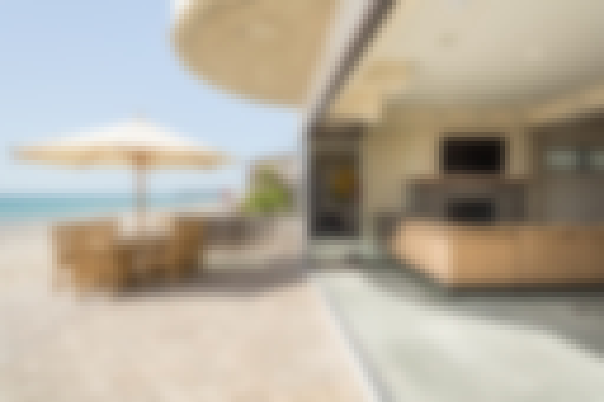 retracble glass walls for indoor outdoor upgrade