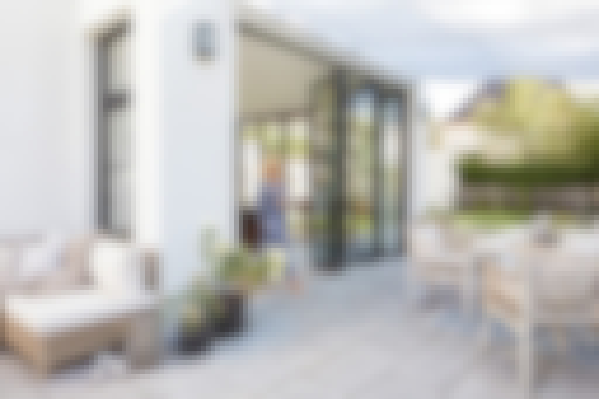 opening glass patio doors for outdoor dining