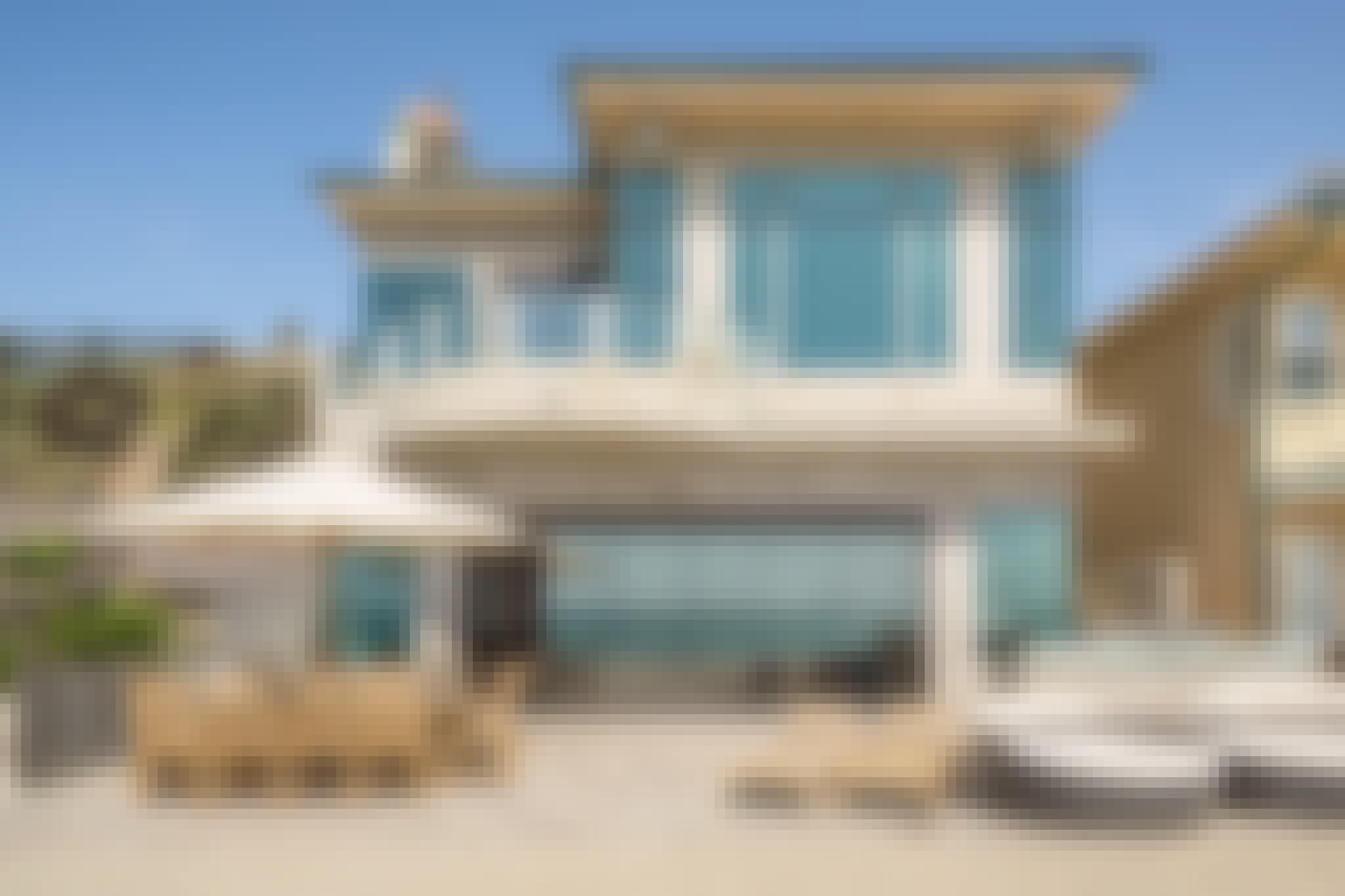 NanaWall ClimaCLEAR residential glass walls in beach front home