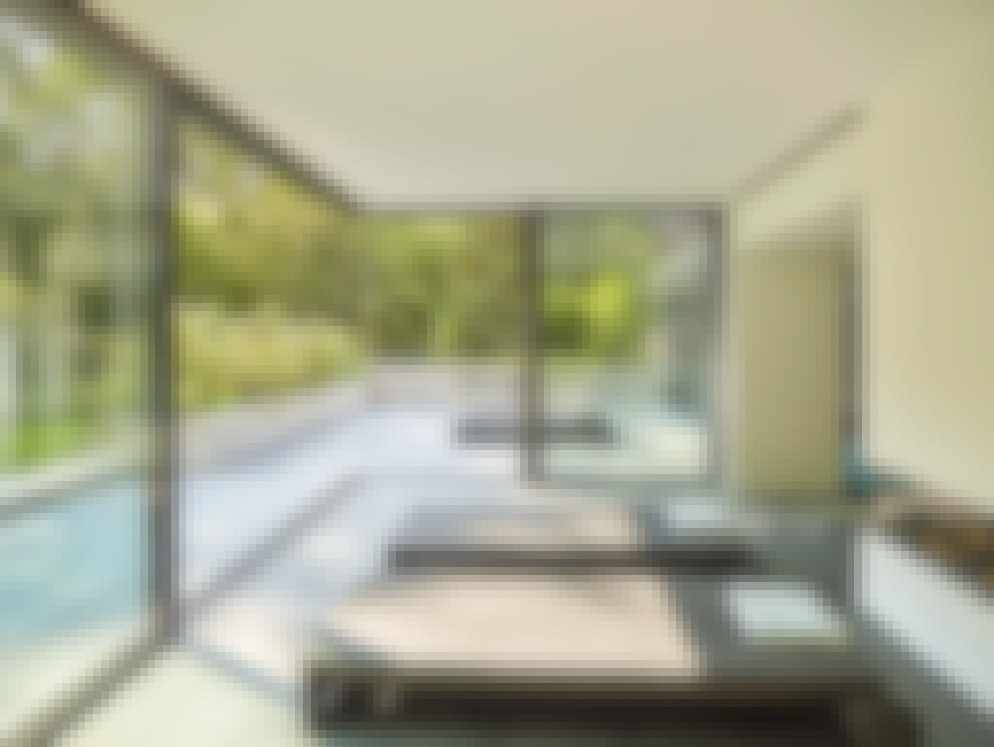 moveable glass doors