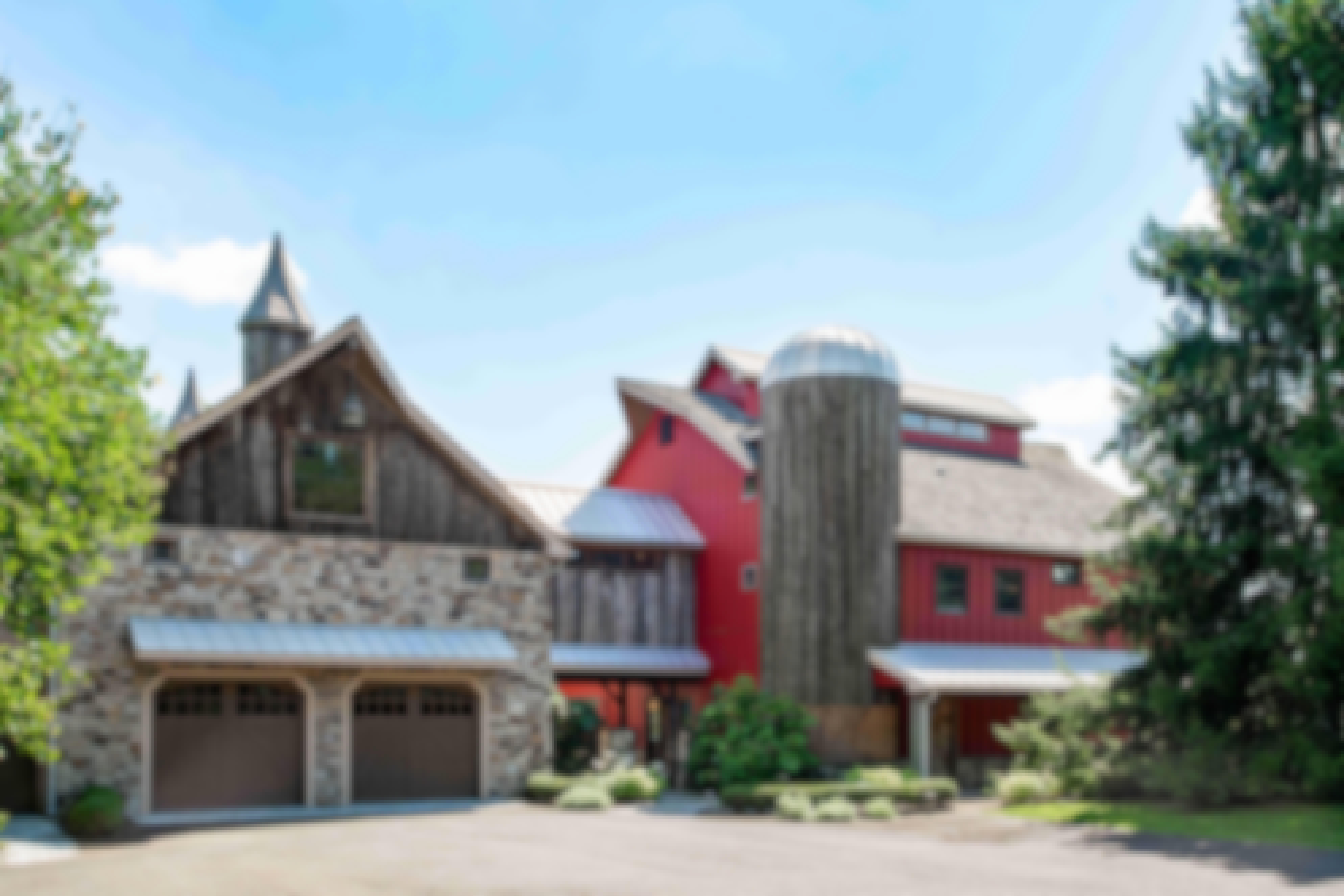 Pennsylvania-barn-converted-into-luxury-home