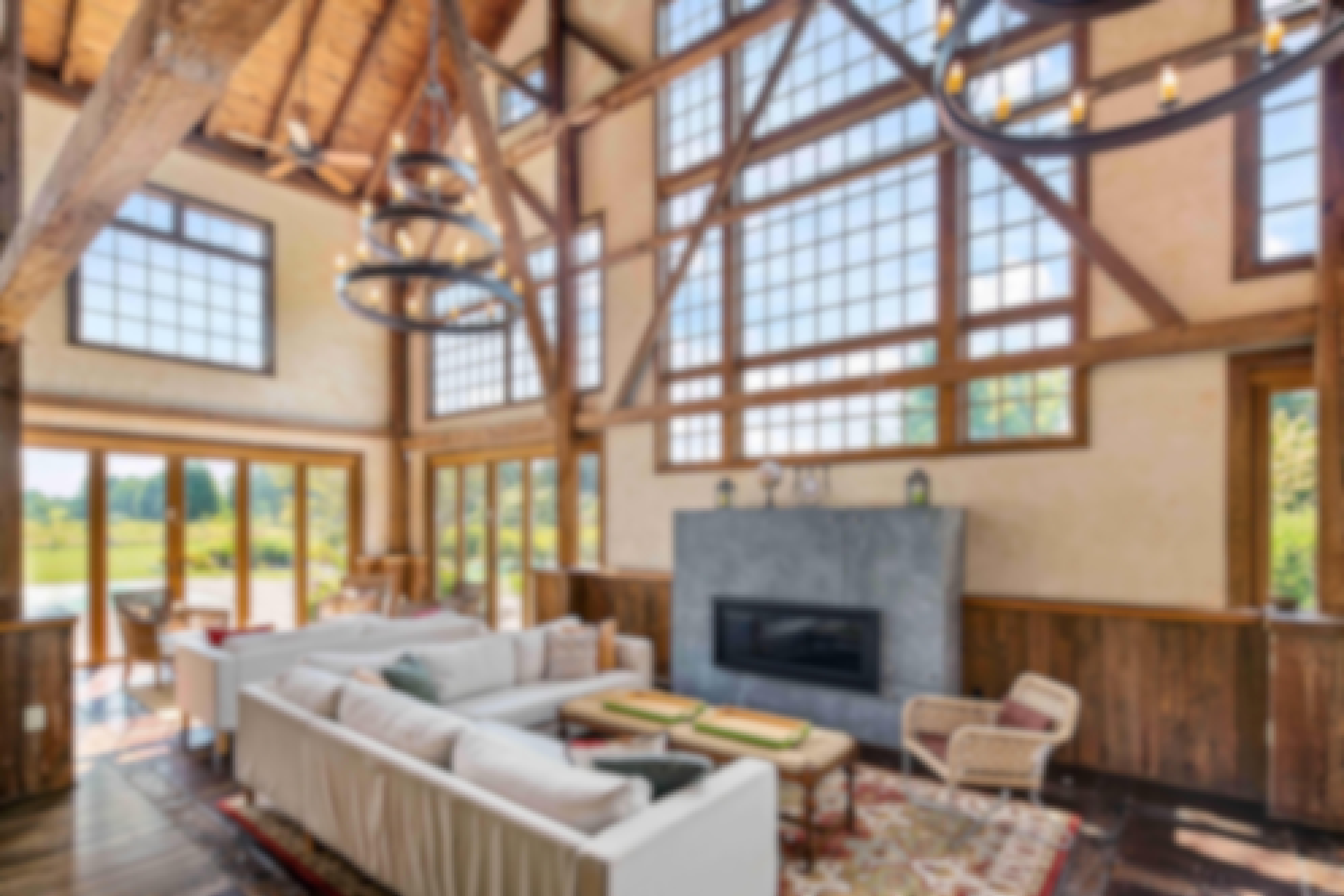 modern-rustic-barn-with-folding-glass-walls