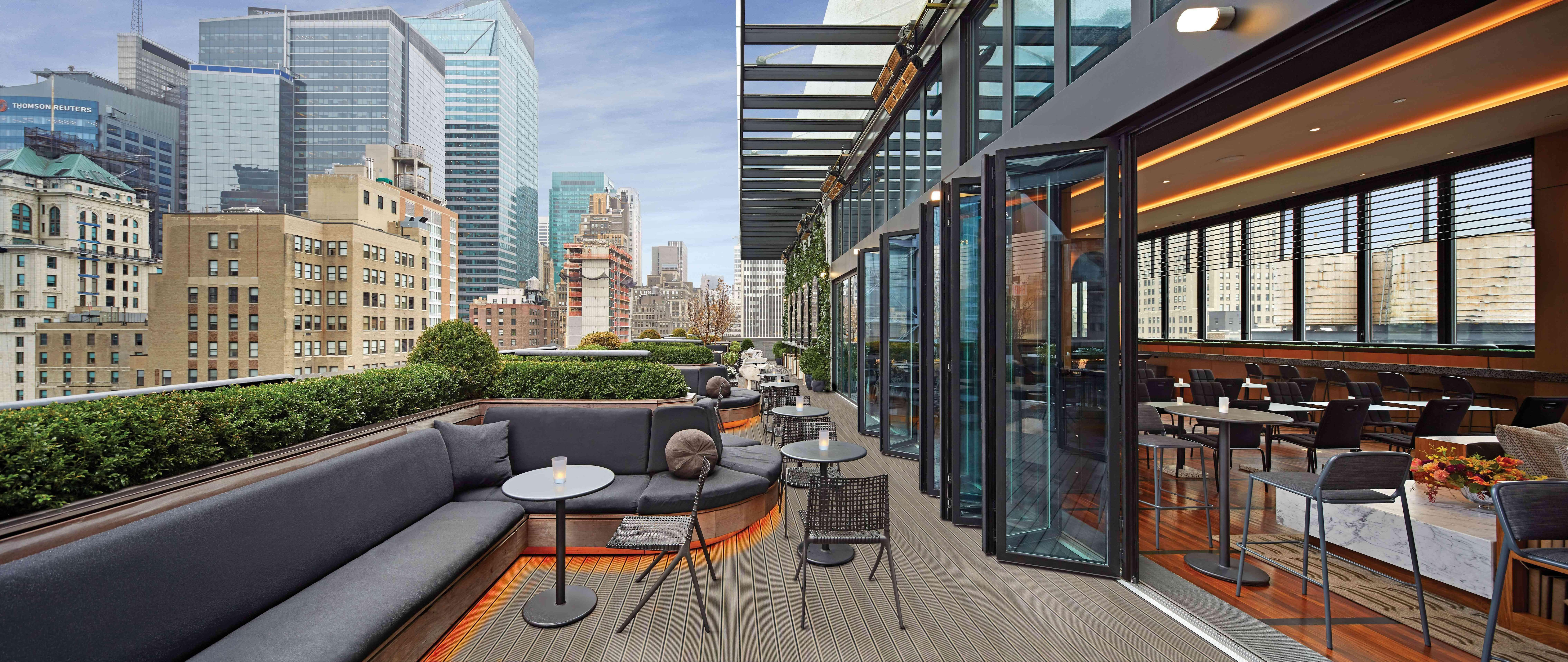 folding-glass-walls-on-rooftop-in-nyc