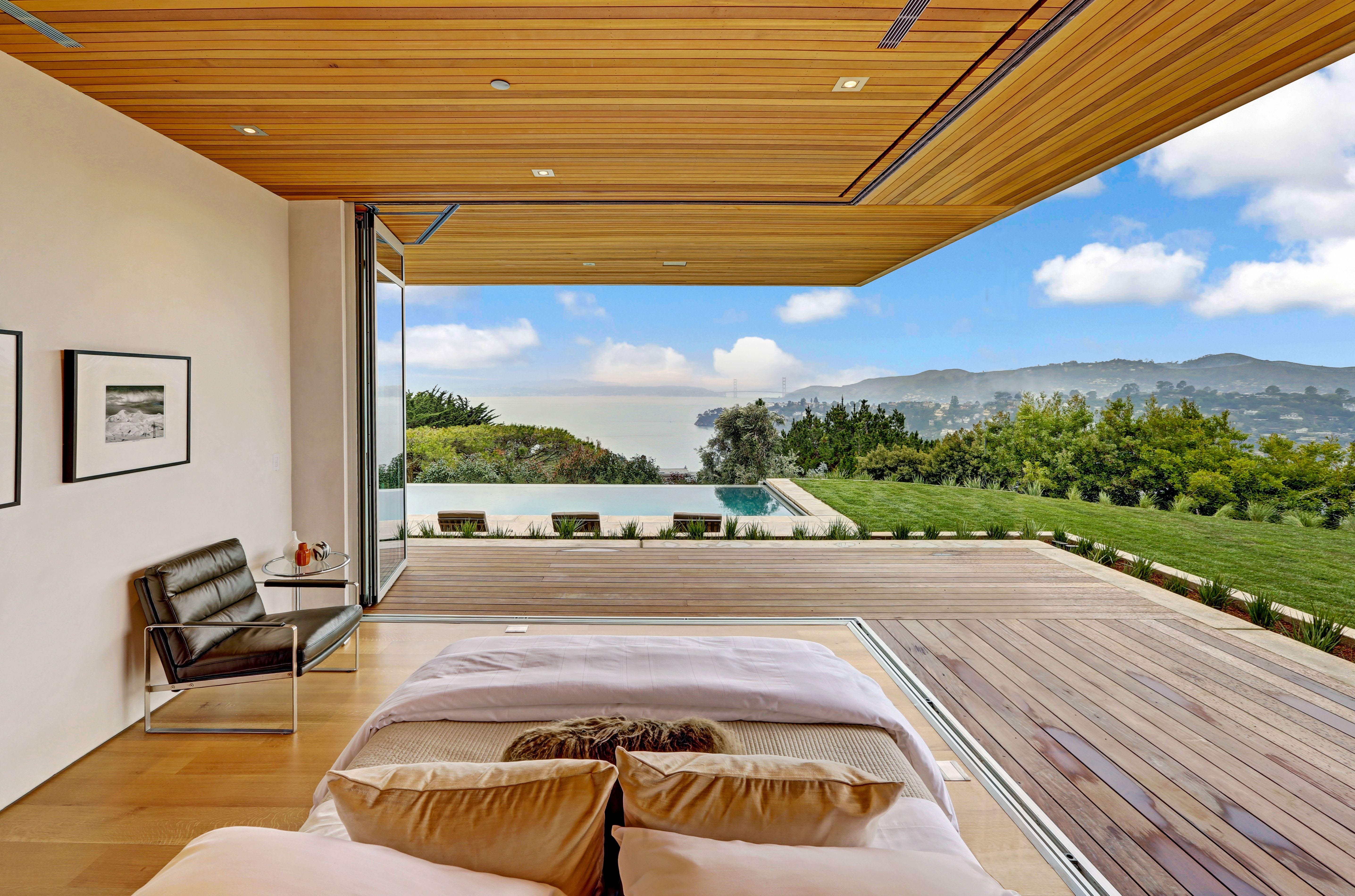 Make Your Outdoor Bedroom Dreams Come True With An Opening Glass Wall Nanawall