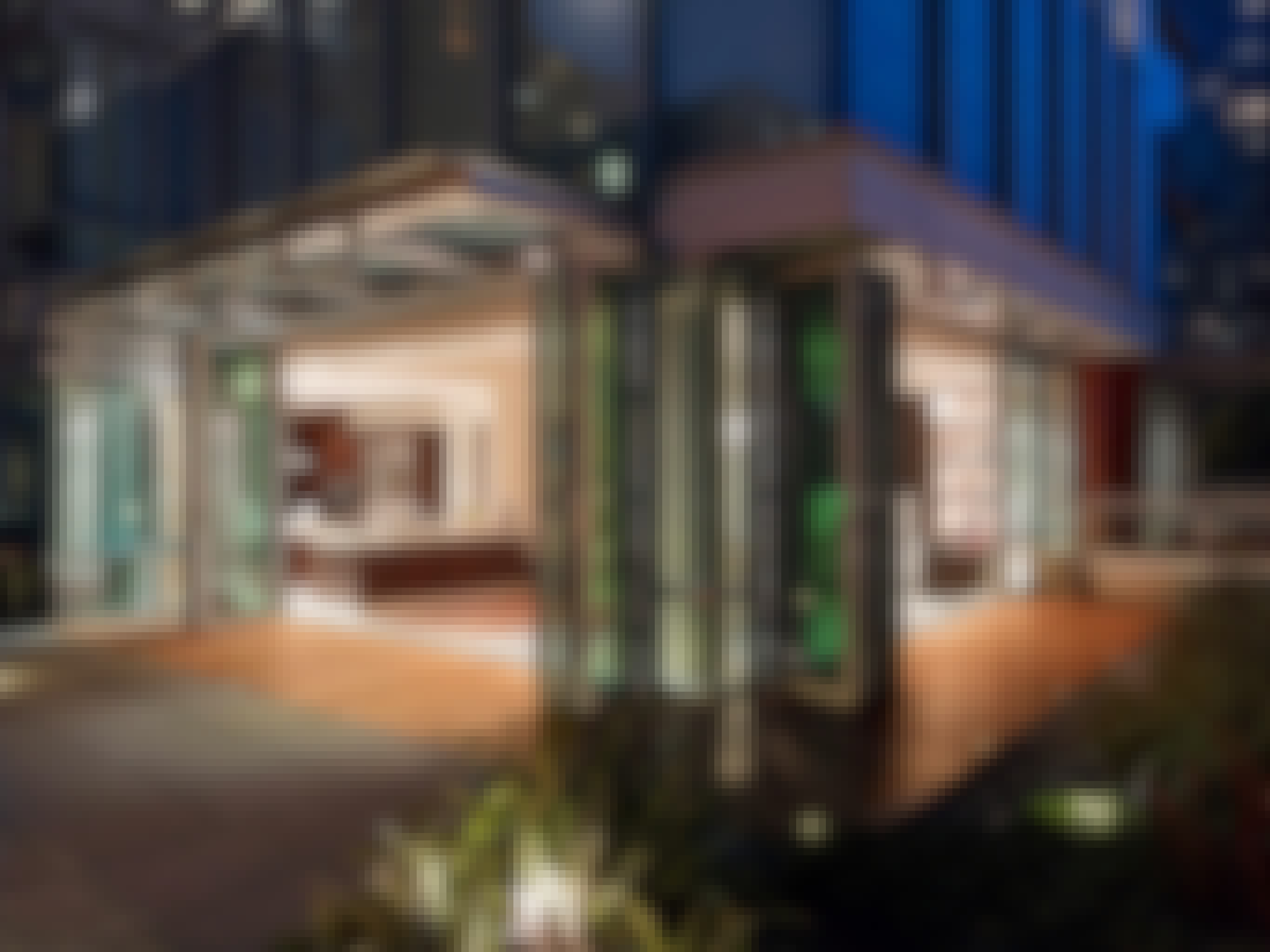 multifamily-amenity-floor-open-to-roof-at-night
