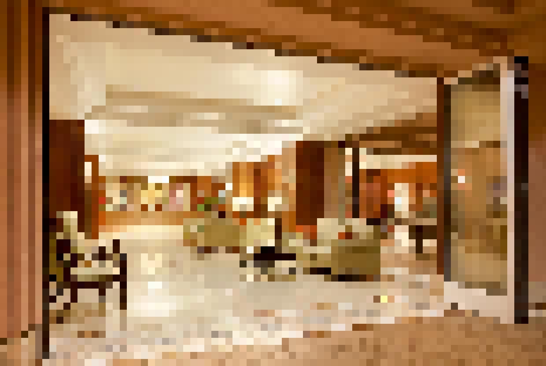 Retail Exterior - SL60_NanaScreen_Honua_Kai_HI Lobby