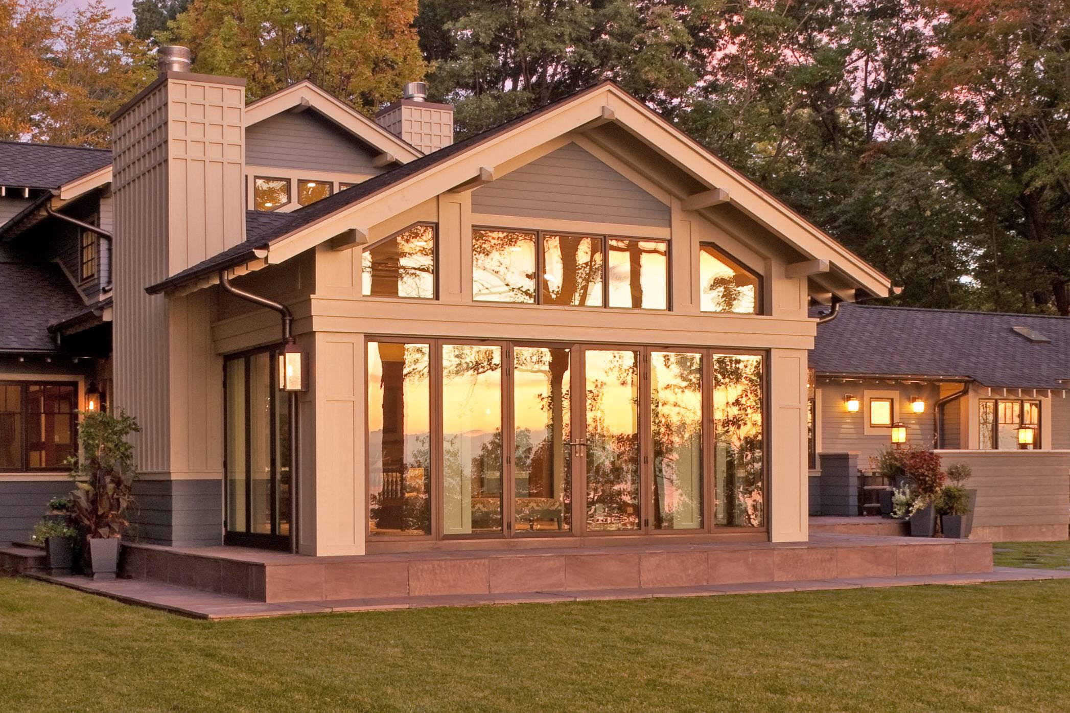 michigan-residence-with-exterior-opening-glass-aluminum-framed-system