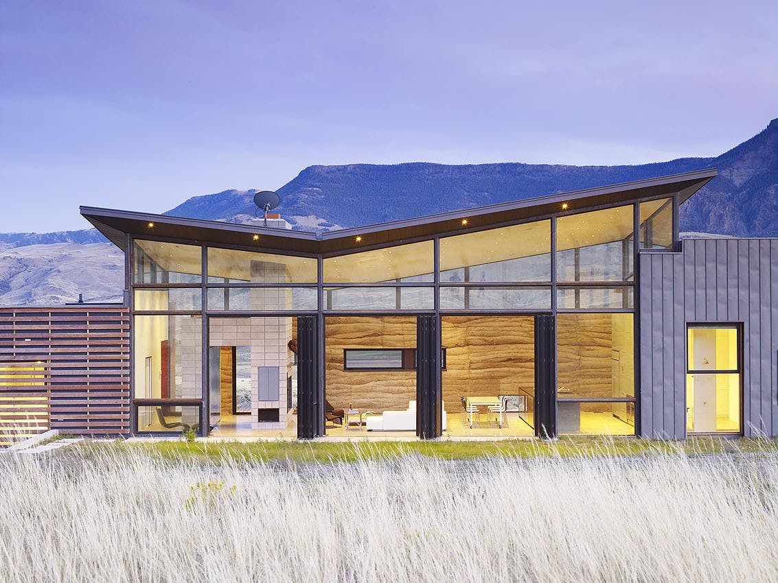 opening-glass-walls-in-home-in-valley
