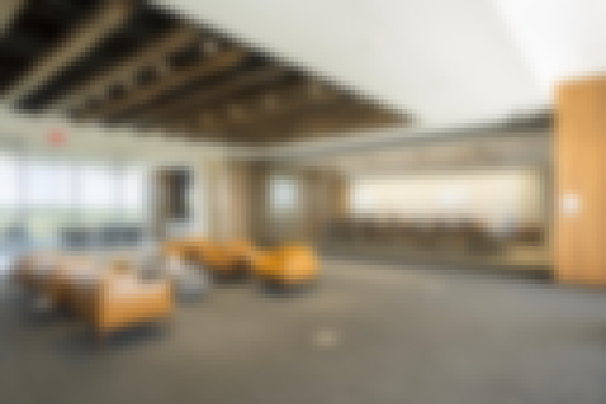 Sound control frameless glass walls in open office environment.