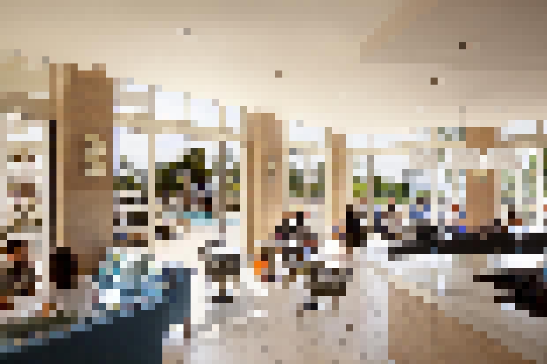 Retail Exterior SL45_Hyatt_Regency_Waikiki_Beach_HI Food and Beverage Space